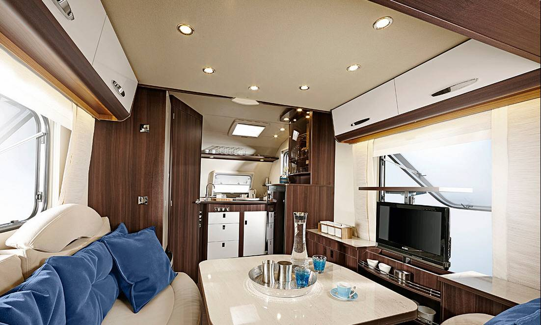 Bürstner Averso Plus 410 TS - Interior