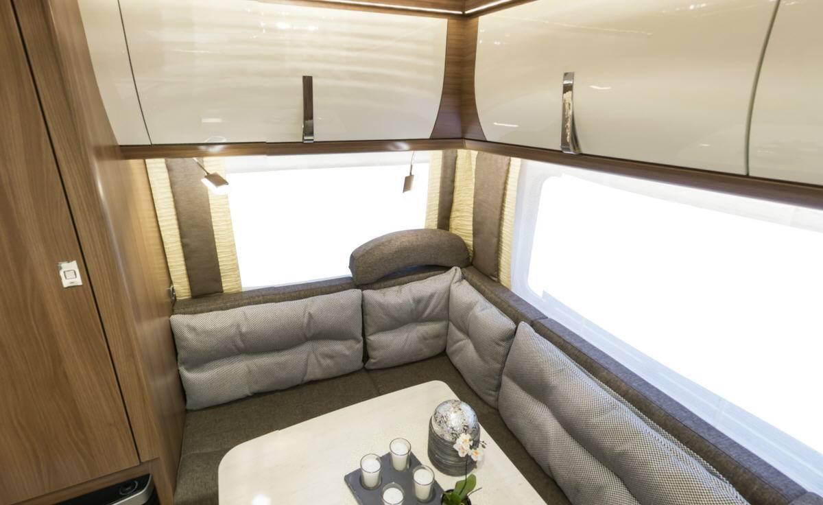 Bürstner Averso Top 450 TS - Interior