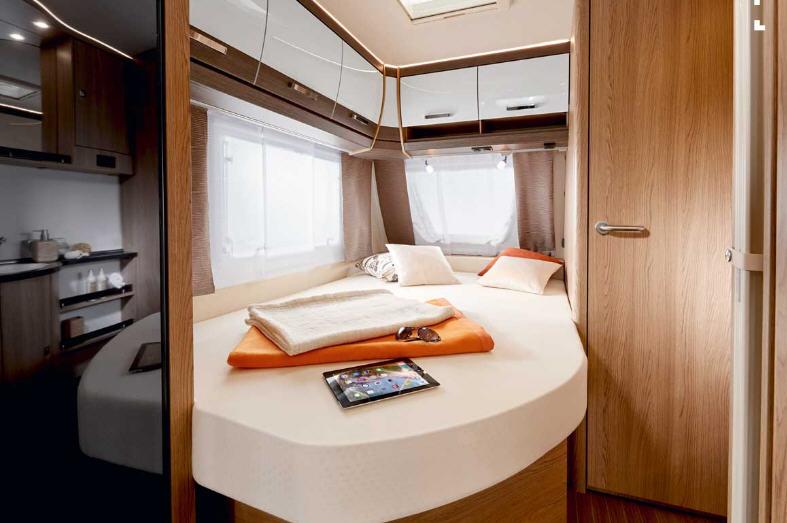 Bürstner AVERSO 490 TS - Interior