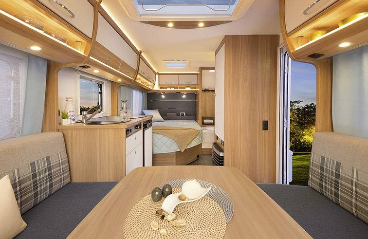 Dethleffs Camper 450 FL - Interior