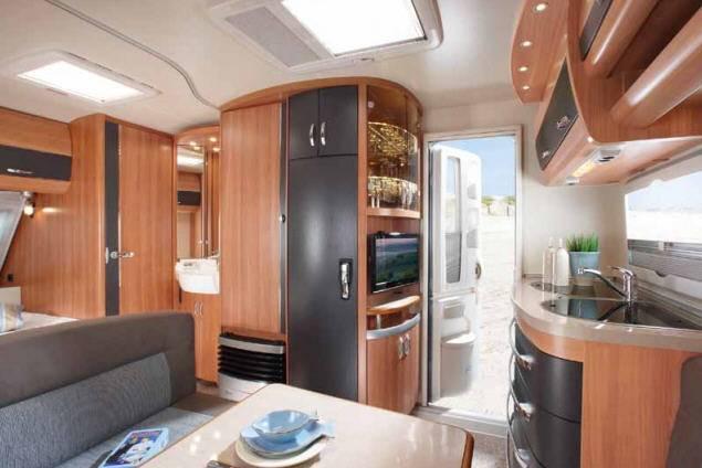 Caravana hobby deluxe 400 sfe modelo de 2013 - Interior caravana ...