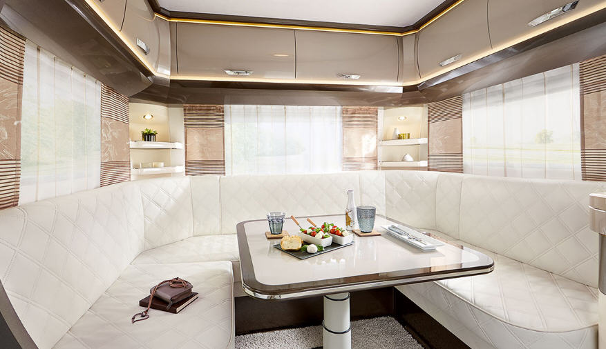 Hobby PREMIUM 650 UKFE - Interior