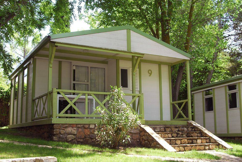batanes-bungalow