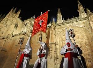 La Semana Santa de Salamanca desde un camping