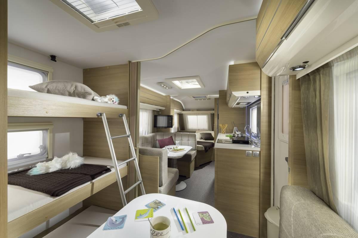 Adria adora 613 pk una caravana para familias numerosas - Interior caravana ...