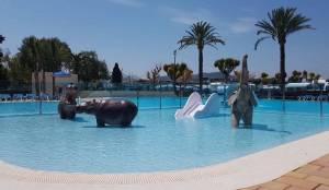 El camping Jávea recibe el verano con piscinas nuevas