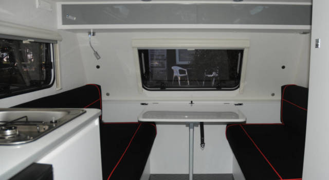 interior caravana silver
