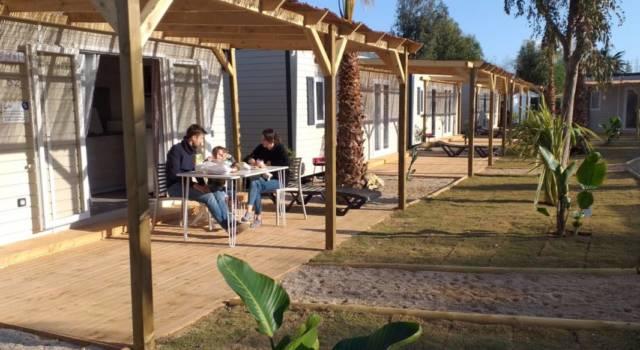 bungalow camping ampolla playa