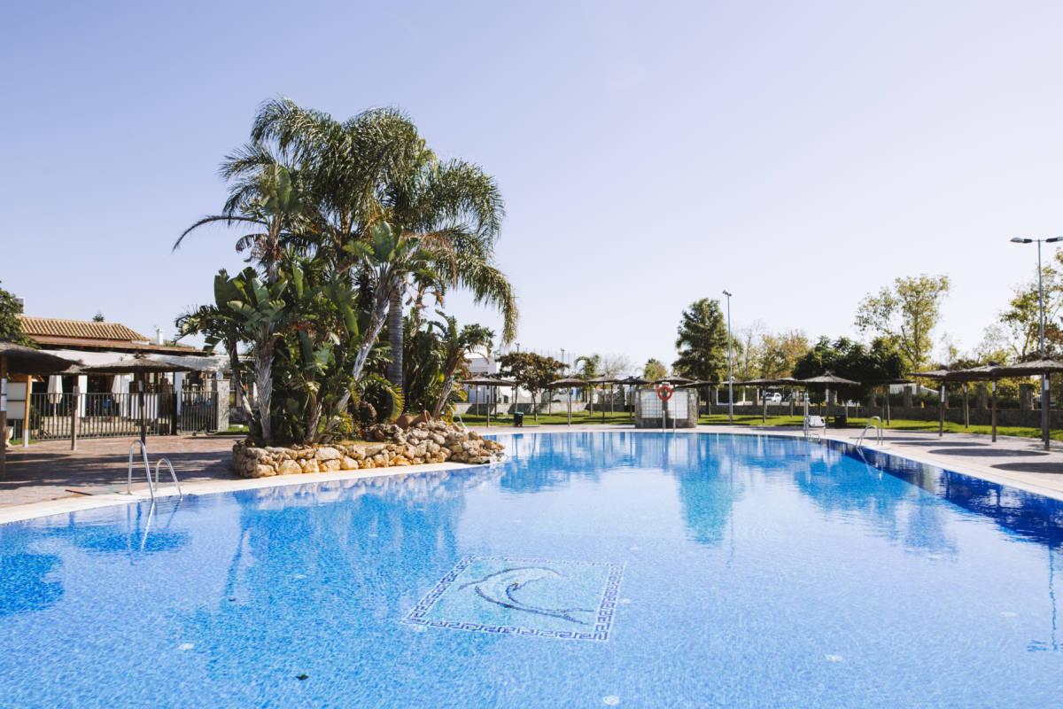 piscina-camping-la-rosaleda