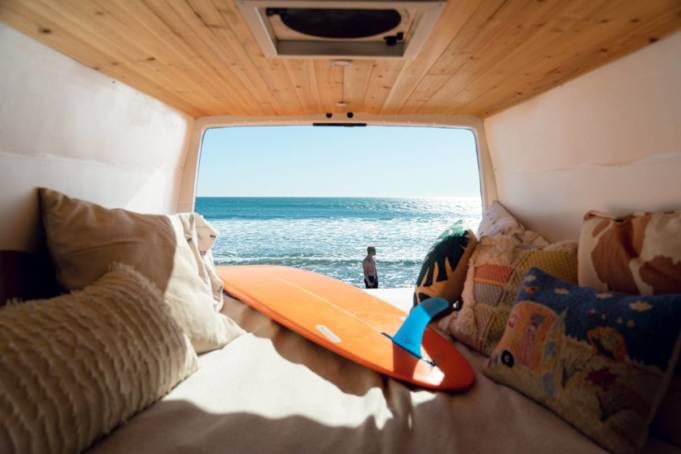 campings donde hacer surf