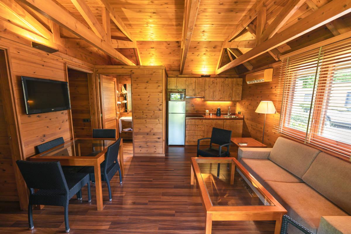 bungalow-playa-montroig-interior