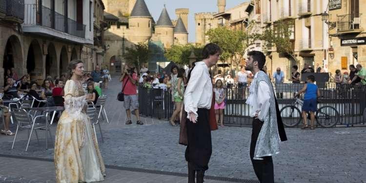 Olite: teatro en la calle. Foto: Txisti Perez, cedida por Turismo de Navarra.