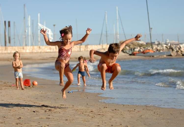 Las playas de la Costa Daurada son de arena fina y dorada. © Patronato de Turismo de Tarragona.
