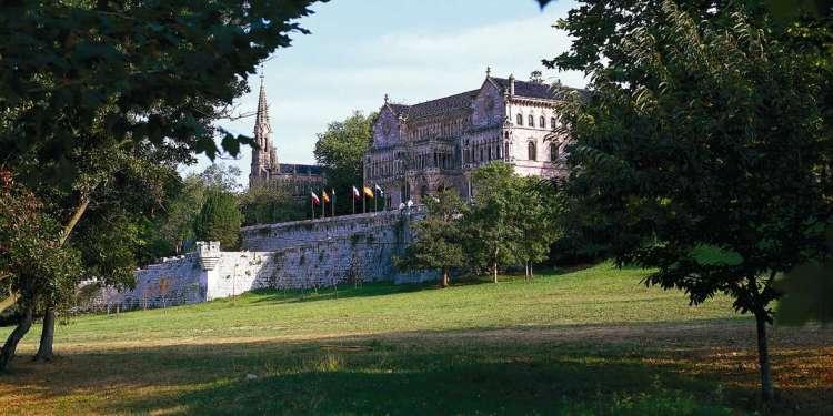 Palacio de Sobrellano o del Marqués de Comillas.