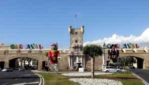 Cadiz se llena de alegría con el Carnaval