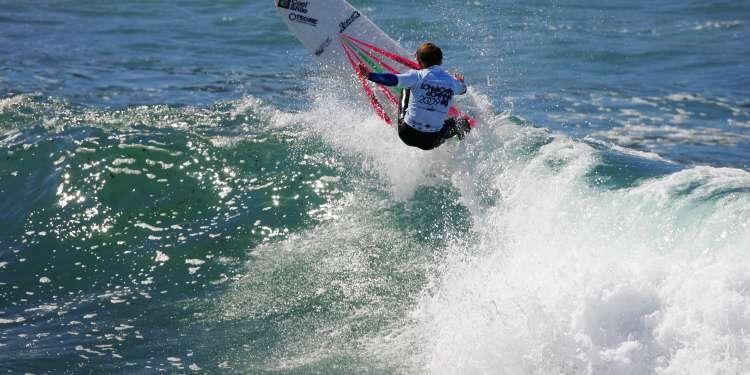 Campeonato de surf en Tapia. Foto: Memorial Peter Gulley, Abierto Internacional de Surf, Goanna-pro.