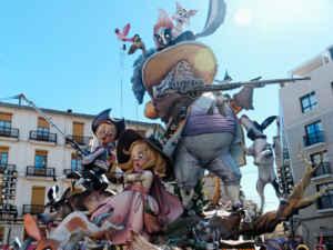 Valencia, la ciudad que arde en marzo