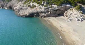 Naturismo en la playa Torn, en Tarragona