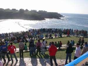 Espectáculo en la playa de Tapia. Memorial Peter Gulley, Abierto Internacional de Surf , Goanna-pro.