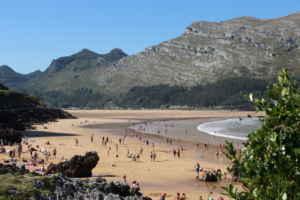 Los reyes de las olas en Cantabria