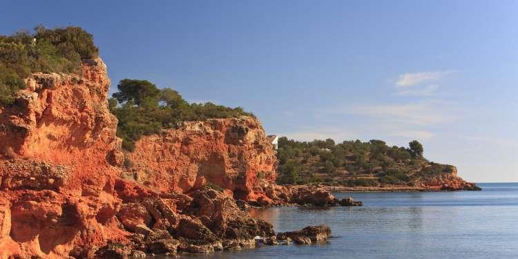 Rocas playa de Baconé