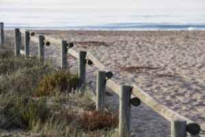 Una ruta para disfrutar en familia por la playa de Els Muntanyans